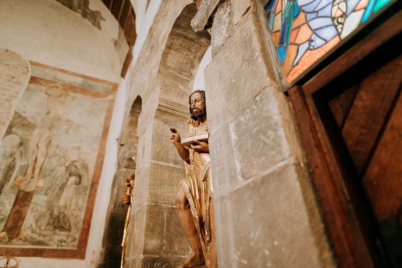 figura jezusa detal z kosciola