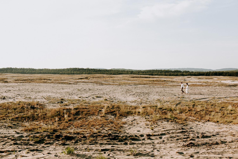 sesja narzeczeńska zuzanny i michała na pustyni błedowskiej, fotografia slubna kraków, www.jakubdziedzic.pl