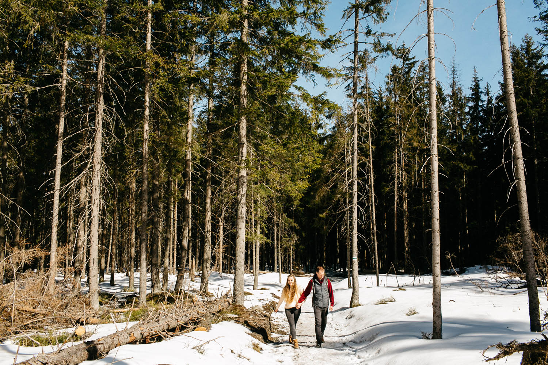 sesja narzeczeńska Kasi i Pawła w Zakopanem, Sesja plenerowa w górach, rusinowa Polana, fotografia ślubna Kraków